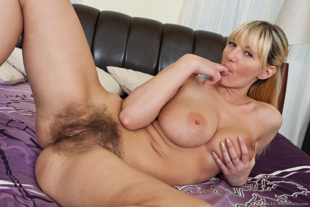 Gorgeous blonde whore shows how to take a dick like a champ 4